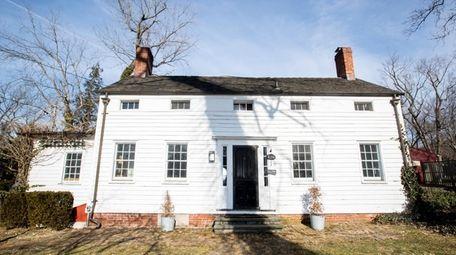 An 1846 saltbox home in Huntington