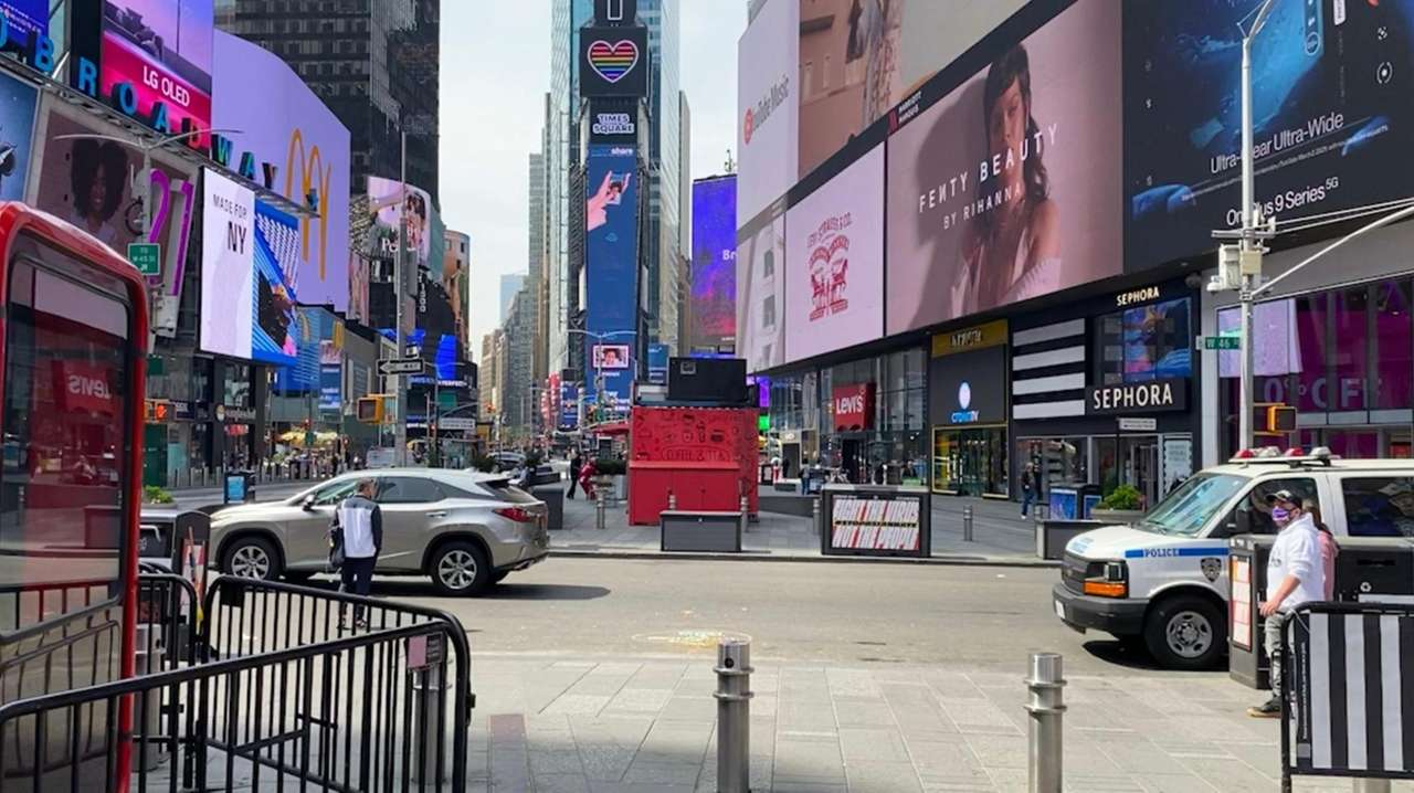 Spending by visitors to New York City dropped