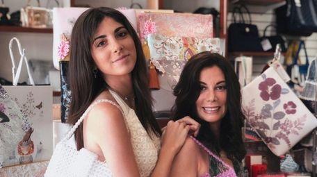 Julien Harris and her mother Lauren Harris work