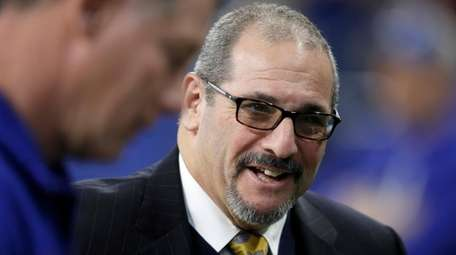 Giants GM Dave Gettleman during the pregame against