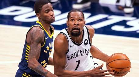 Kevin Durant looks for opportunity to score Thursday