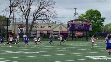 Sayville defeated Hauppauge, 14-6, in Suffolk Division II