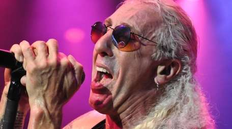 Dee Snider will perform a limited capacity concert
