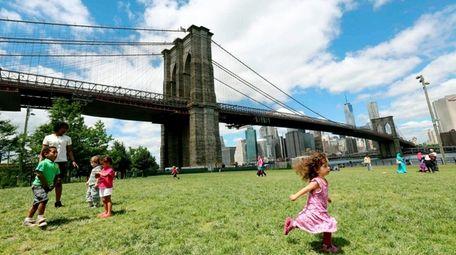 The Brooklyn Bridge seen from Brooklyn Bridge Park