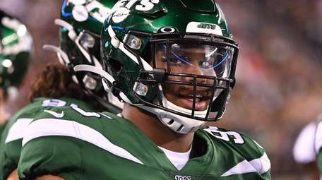 New York Jets defensive tackle Quinnen Williams looks