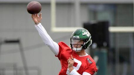 Jets first round draft pick Zach Wilson works