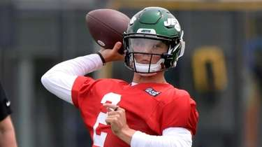 Jets first-round draft pick Zach Wilson works out
