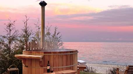 The Hot Tub suite at the Sound View