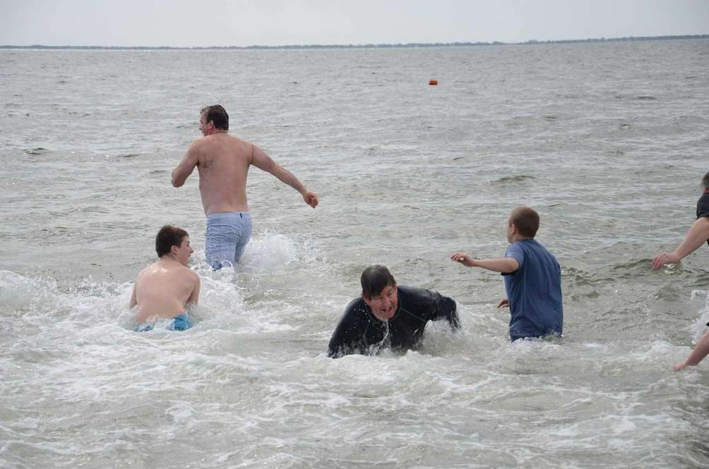 With the water temperature in the mid-40s, dozens