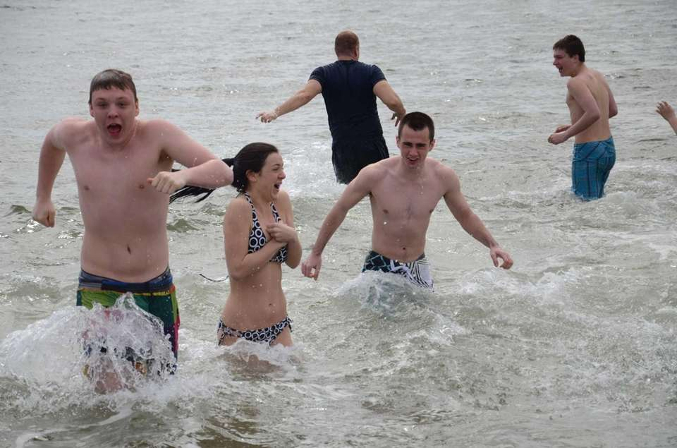 Polar plungers take a quick dip in the