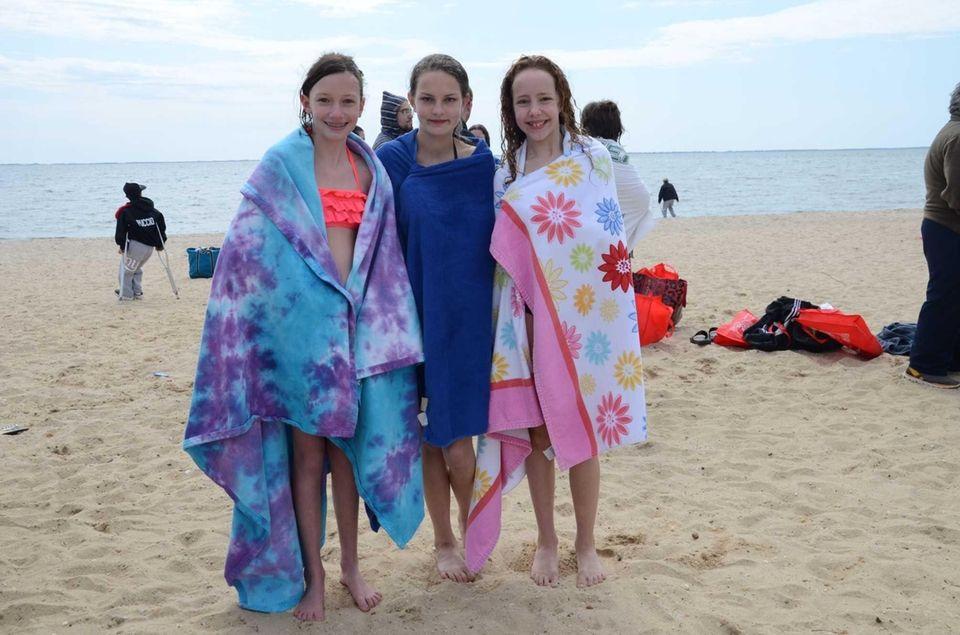 Bayport friends Leah Horner, 12, Lyndsey Ingber, 11,