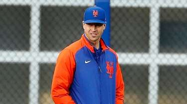 Jacob deGrom #48 of the Mets walks to