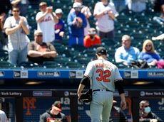 Matt Harvey of the Orioles leaves a game