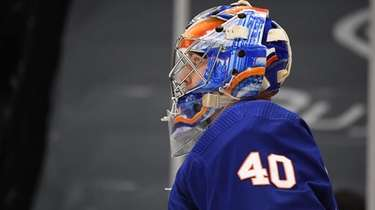 New York Islanders goaltender Semyon Varlamov against the