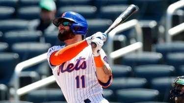 Kevin Pillar of the New York Mets follows