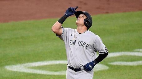 Gio Urshela #29 of the Yankees celebrates after