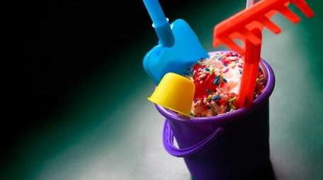 The Sandpail Sundae comes complete with shovel and