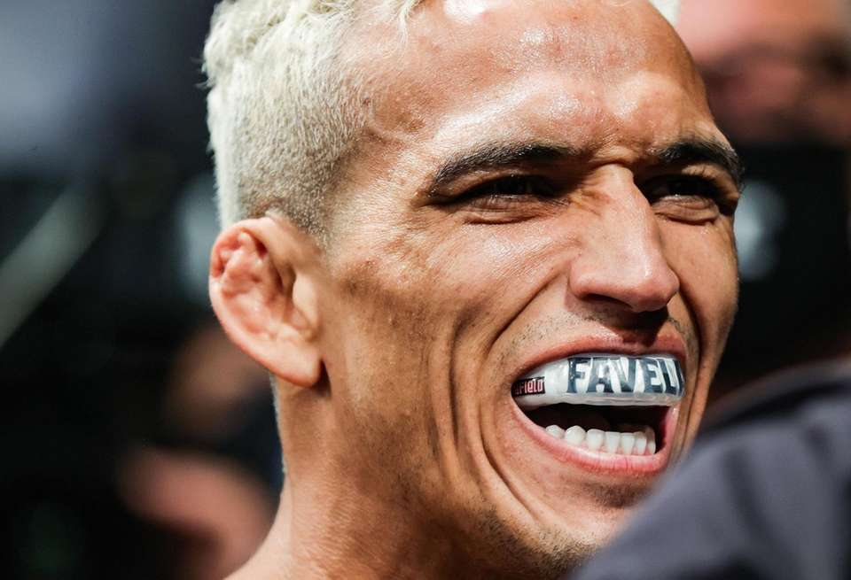 Charles Oliveira prepares to fight Michael Chandler during