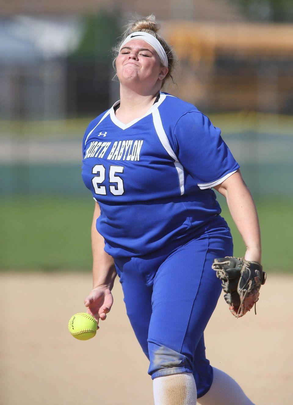 North Babylon Pitcher Ava Schorr throws a pitch