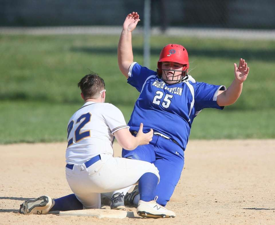 North Babylon's Ava Schorr gets tagged out by