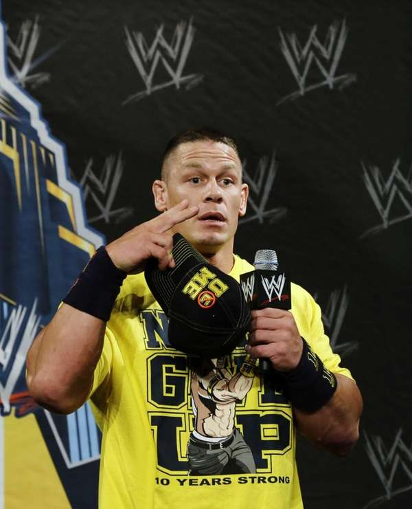 John Cena speaks Chinese for Chinese reporters during