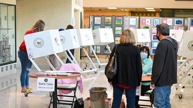 People vote at William Floyd School High School