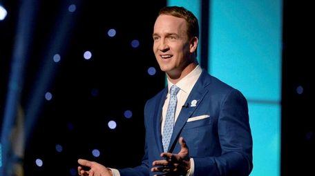 "Peyton Manning hosts NBC's update of ""College Bowl."""