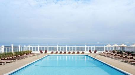 The pool at the Sound View Greenport resort.