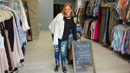 Lola's Lookbook, a women's boutique on wheels owned