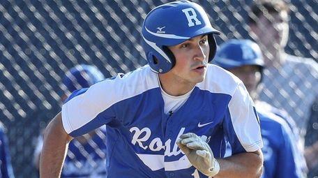 Roslyn's Jordan Zucker runs on Thursday, May 20,