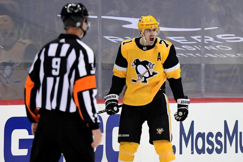 Evgeni Malkin #71 of the Pittsburgh Penguins celebrates