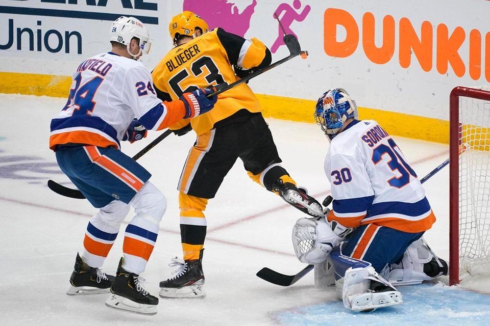 New York Islanders goaltender Ilya Sorokin (30) blocks