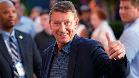 Wayne Gretzky attends the quarterfinals of the U.S.