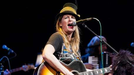 Singer/songwriter Nancy Atlas and her band have a