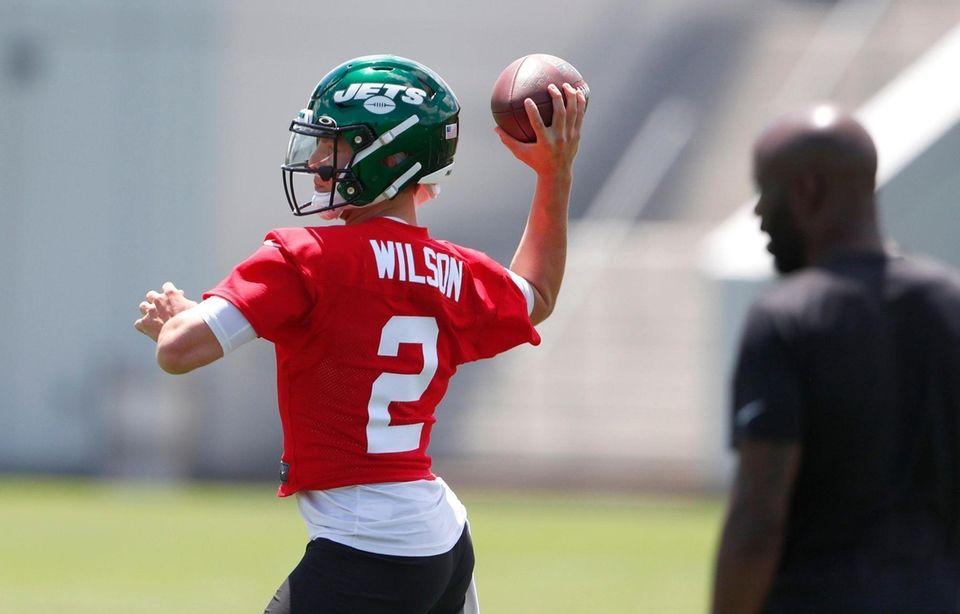 Jets rookie quarterback Zach Wilson throws a pass