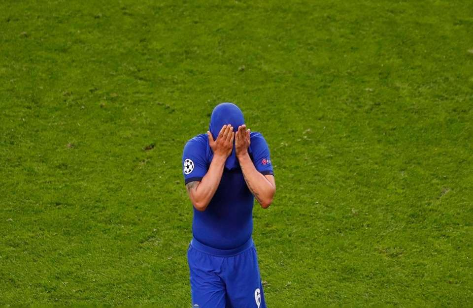 Chelsea's Thiago Silva leaves the game during the