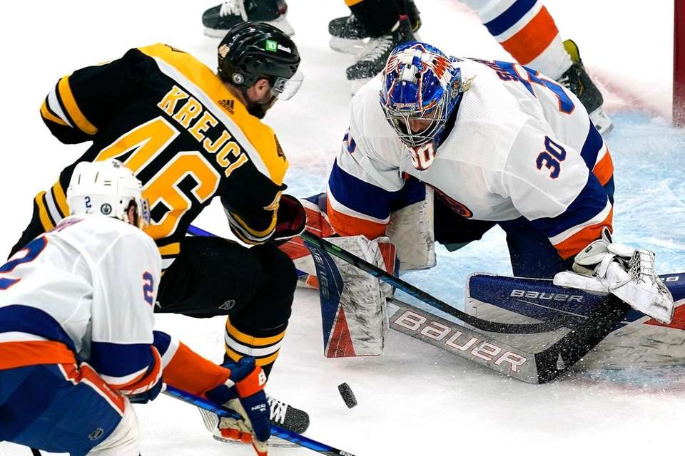 New York Islanders goaltender Ilya Sorokin (30) keeps