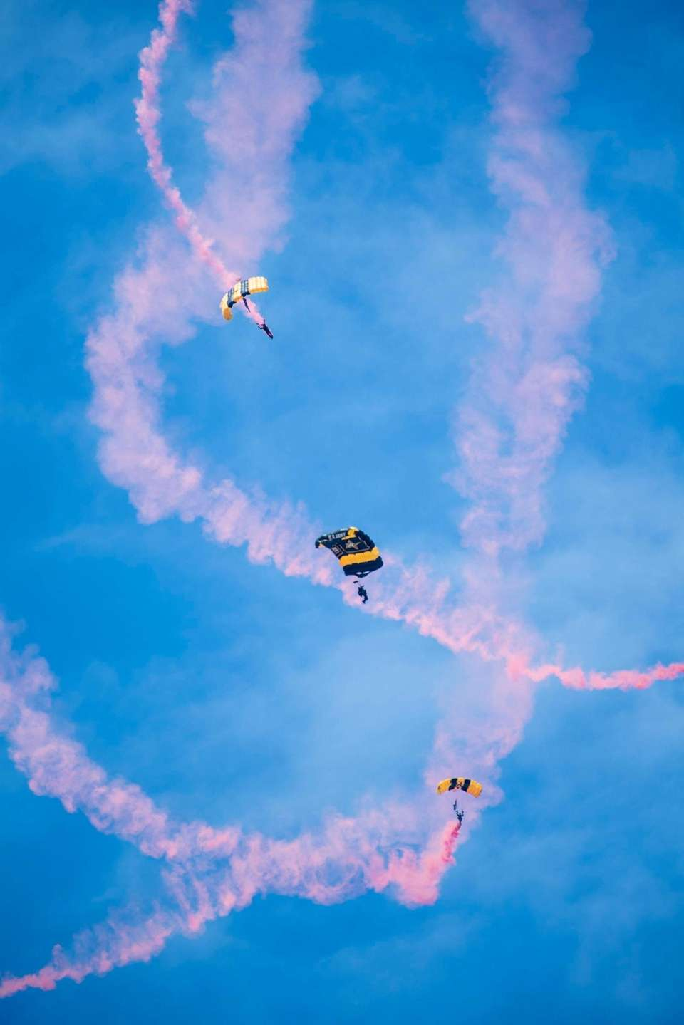 Members of the U.S. Army Golden Knights parachute