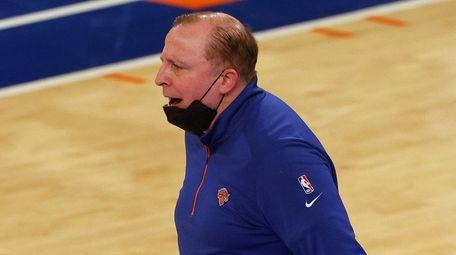 Knicks head coach Tom Thibodeau yells to an