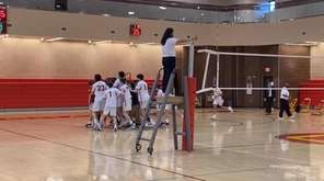 Chaminade defeated Kellenberg in three sets to win