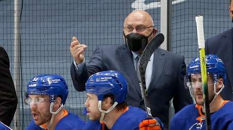 Coach Barry Trotz indicated Semyon Varlamov kept the
