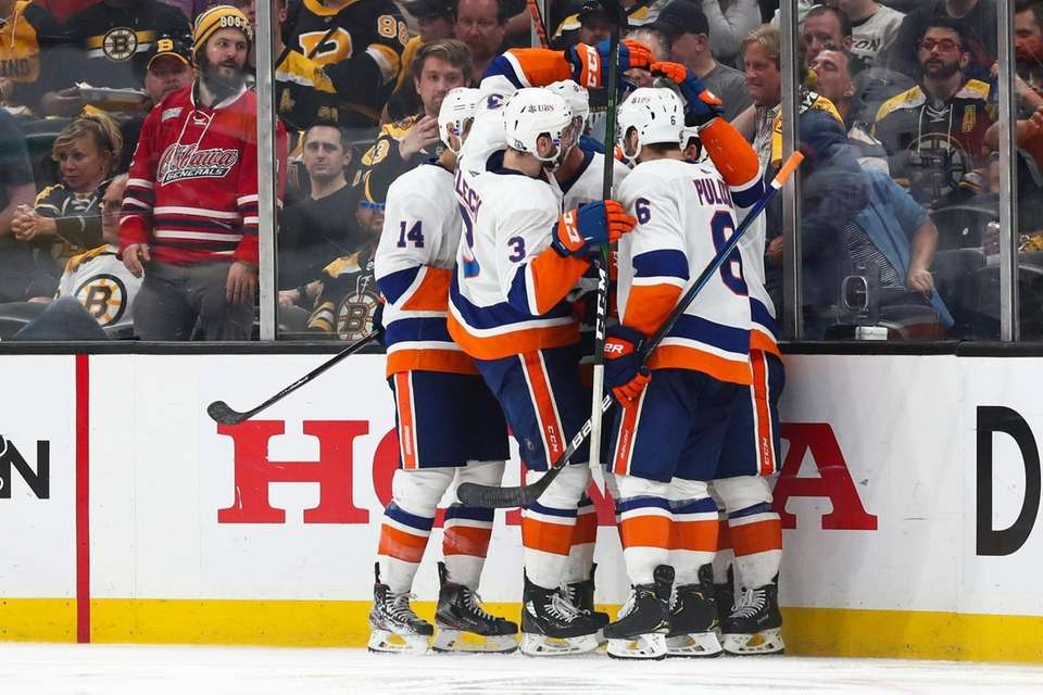 Brock Nelson of the Islanders reacts after scoring