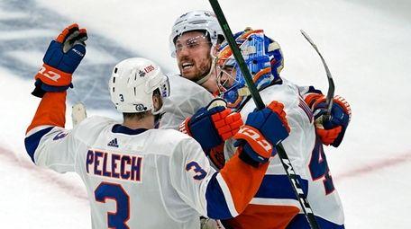 Islanders center Casey Cizikas and defenseman Adam Pelech