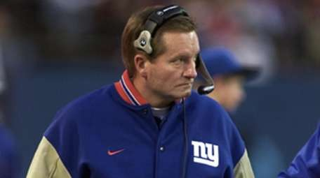 Giants coach Jim Fassel on the sidelines against