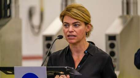 Sarah Feinberg led the MTA's bus and subway