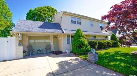 Priced at $499,999 and located on Collector Lane