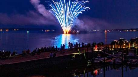 The Orient Harbor Fireworks show is returning for