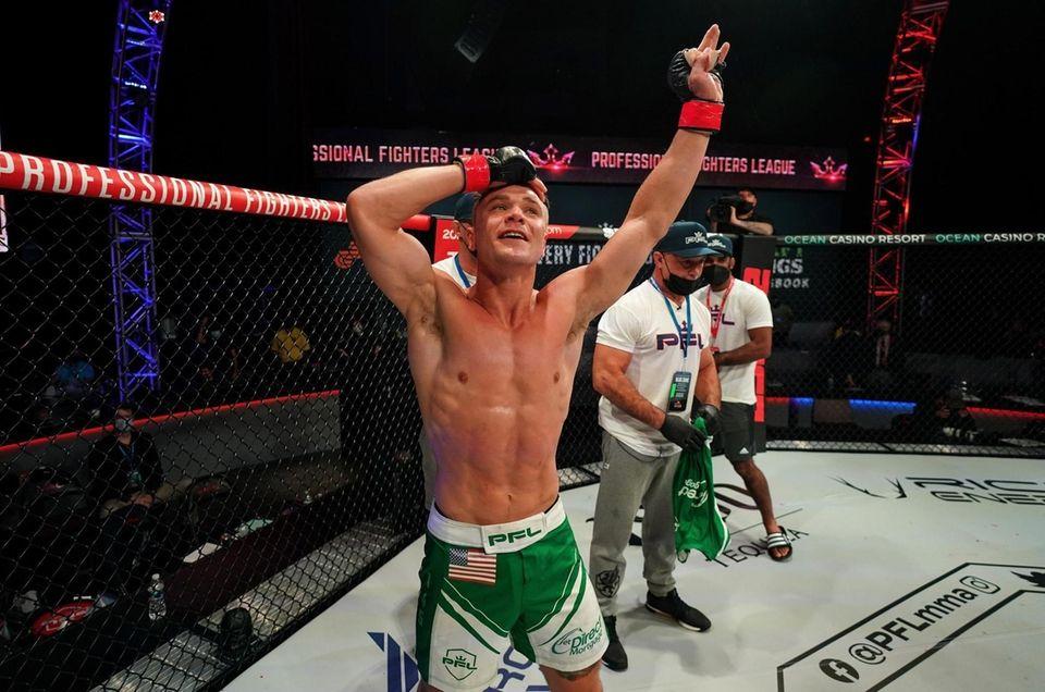 Chris Wade celebrates his second round KO over