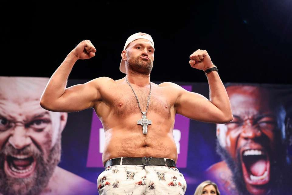 Tyson Fury steps up for a face off