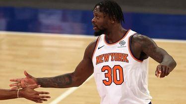 Julius Randle #30 of the Knicks celebrates late